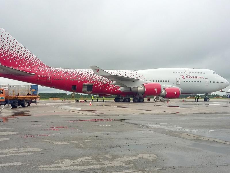 Boeing 747-400, EI-XLF, Россия