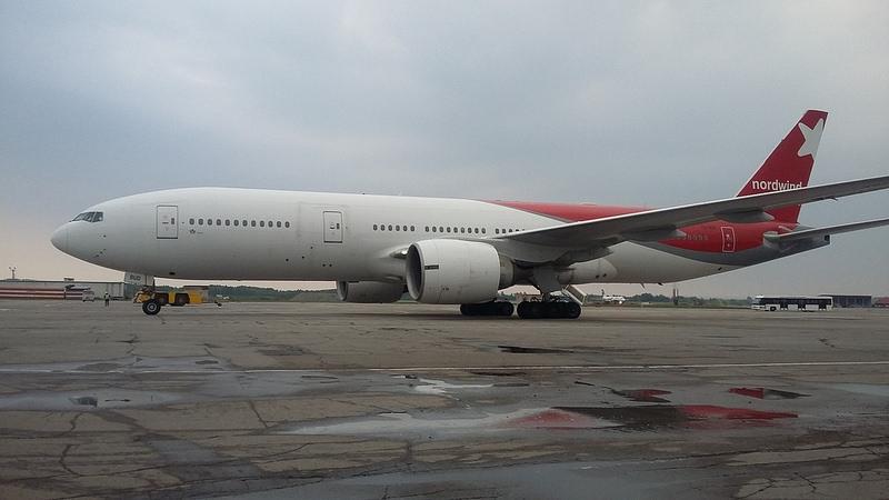 Boeing 777-200 VQ-BUD Nord Wind