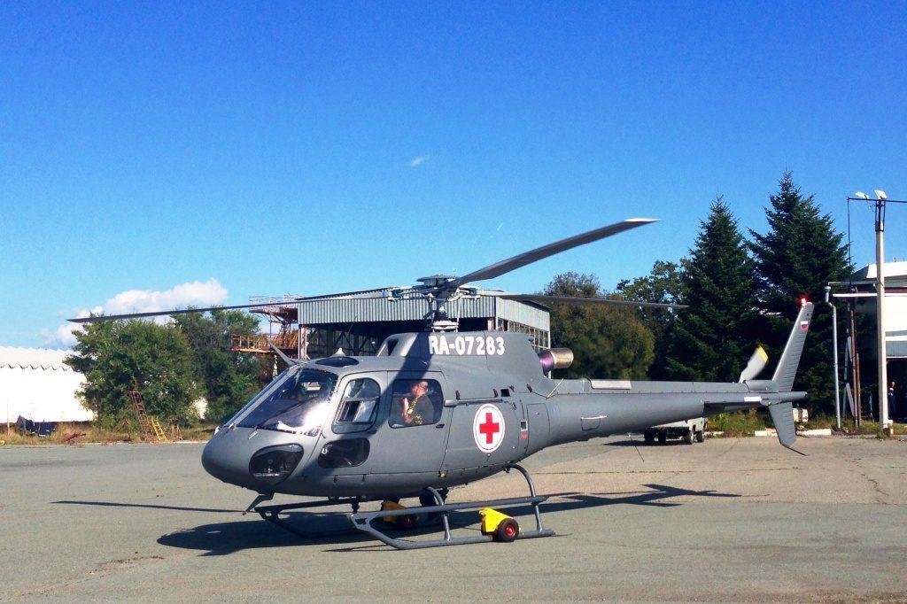 Вертолеты санитарной авиации доставляют больных из пострадавших от наводнения районов Приморья