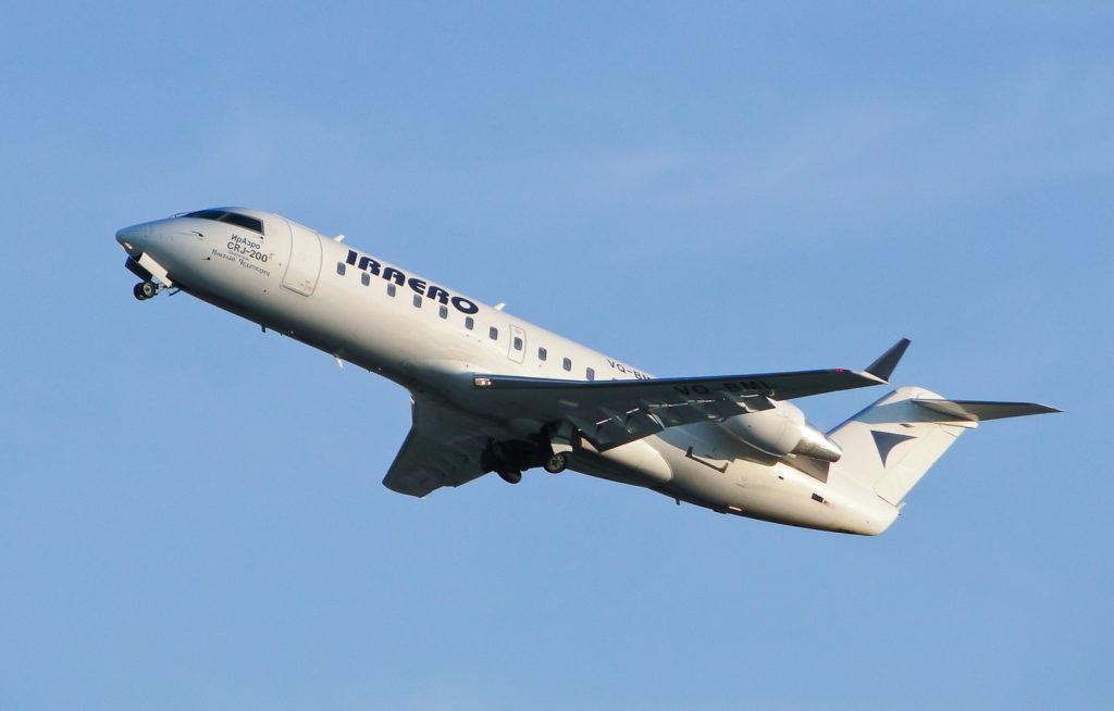 Самолет авиакомпании ИрАэро вернулся в аэропорт вылета из-за неисправности