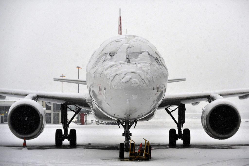 Метеоусловия помешали  сесть в аэропорту Петропавловска-Камчатского двум самолетам