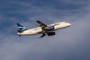 Самолет Sukhoi Superjet 100 авиакомпании Якутия совершил вынужденную посадку
