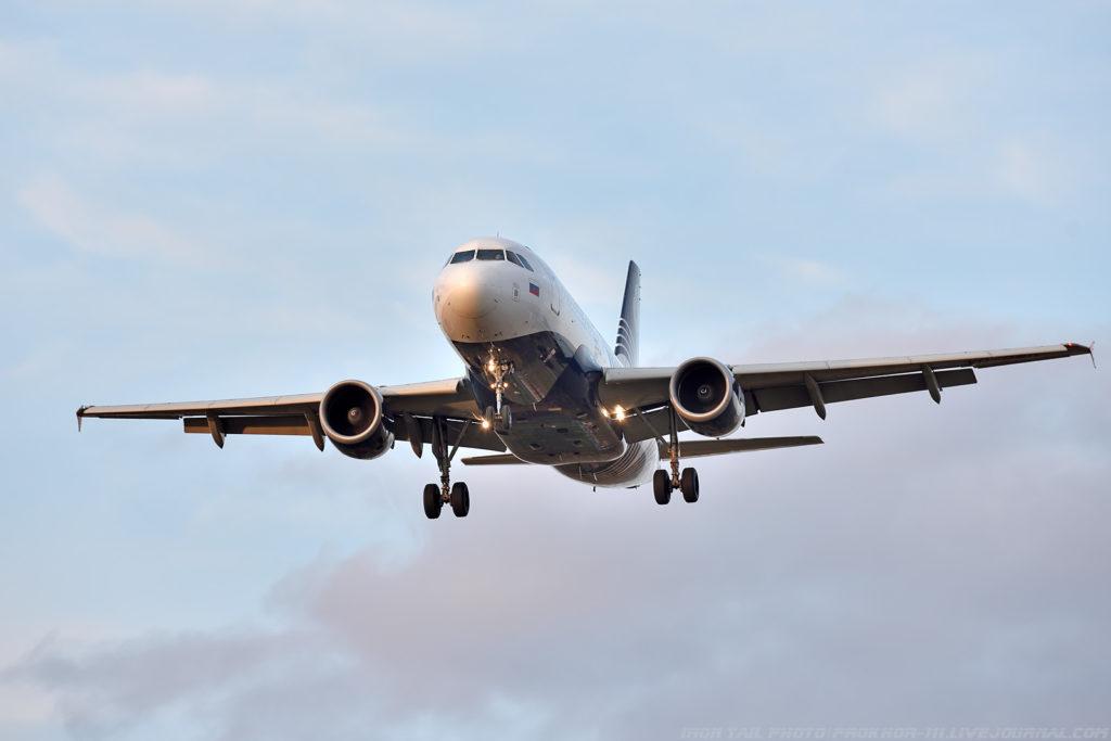 Самолет авиакомпании Аврора из-за плохих погодных условий вернулся в аэропорт вылета Хабаровск