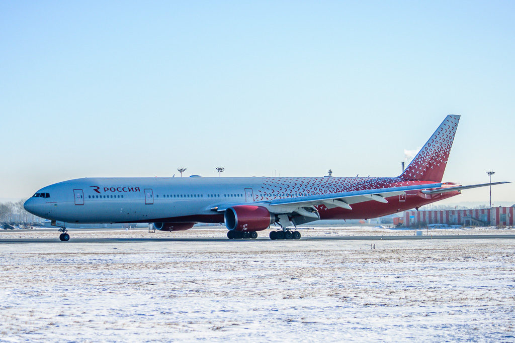 Boeing 777-300, регистрация: EI-XLP (Екатеринбург)