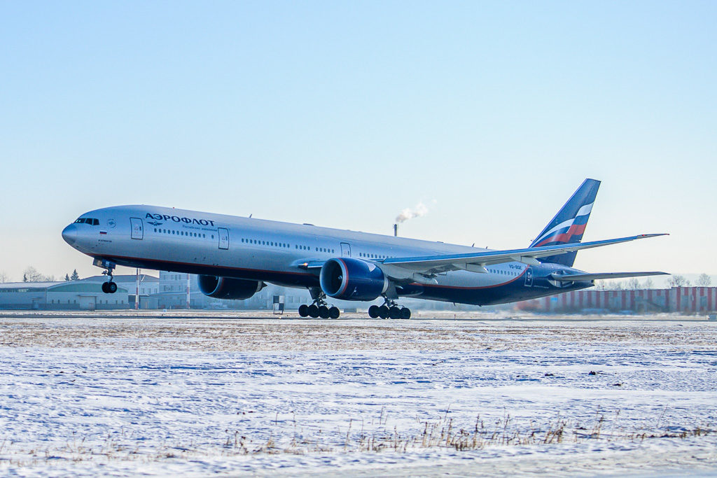 Boeing 777-300(ER), регистрация: VQ-BQE (М. Лермонтов)